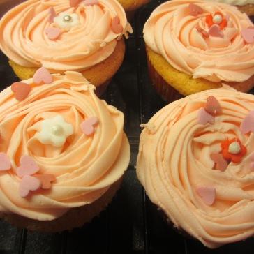 Vanilla Sponge Valentine Cupcakes